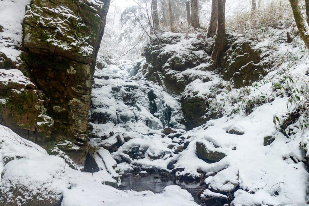 凍りついた蓼仙の滝