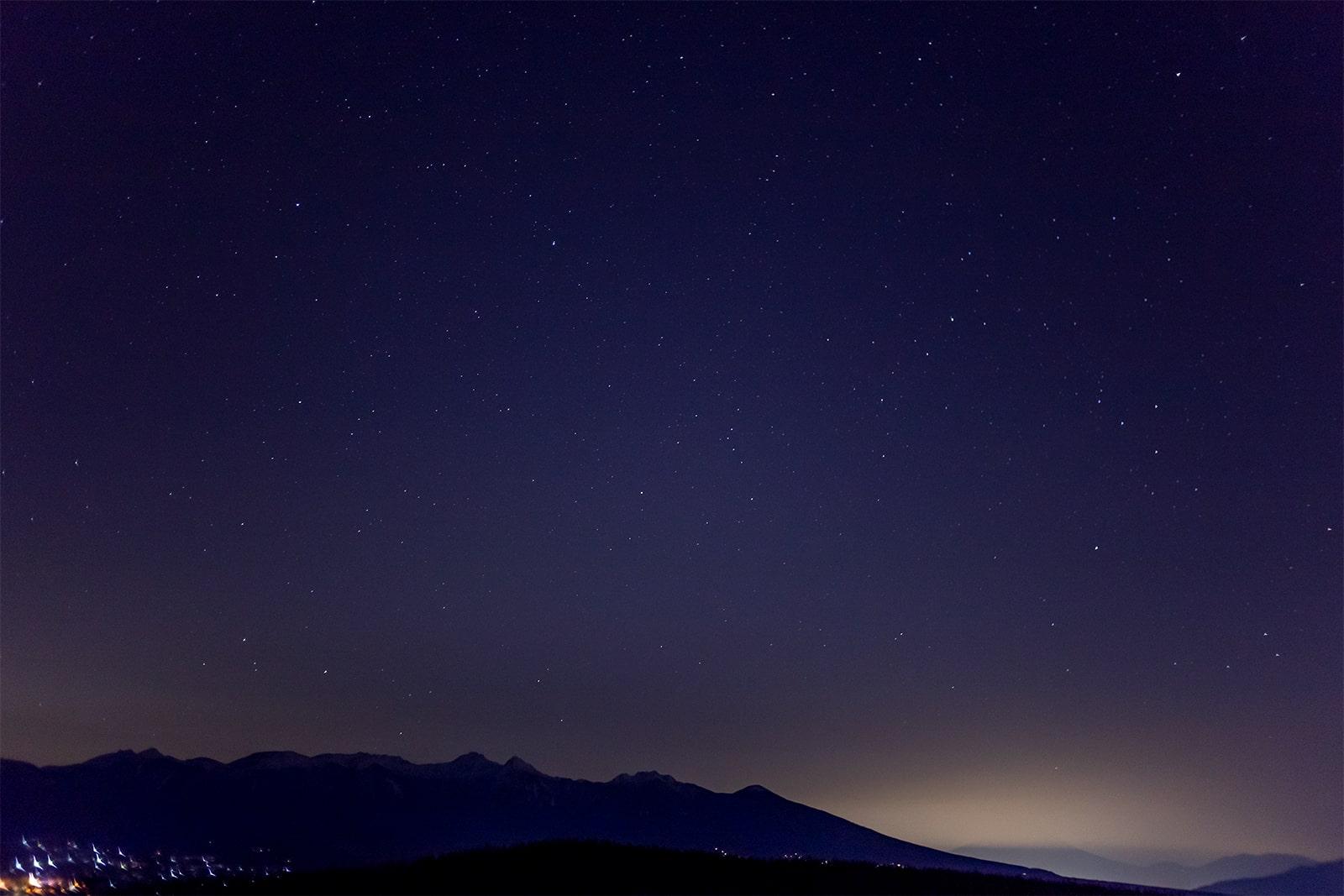 富士見台:人気のドライブコースビーナスラインでも夜の景色は楽しめる