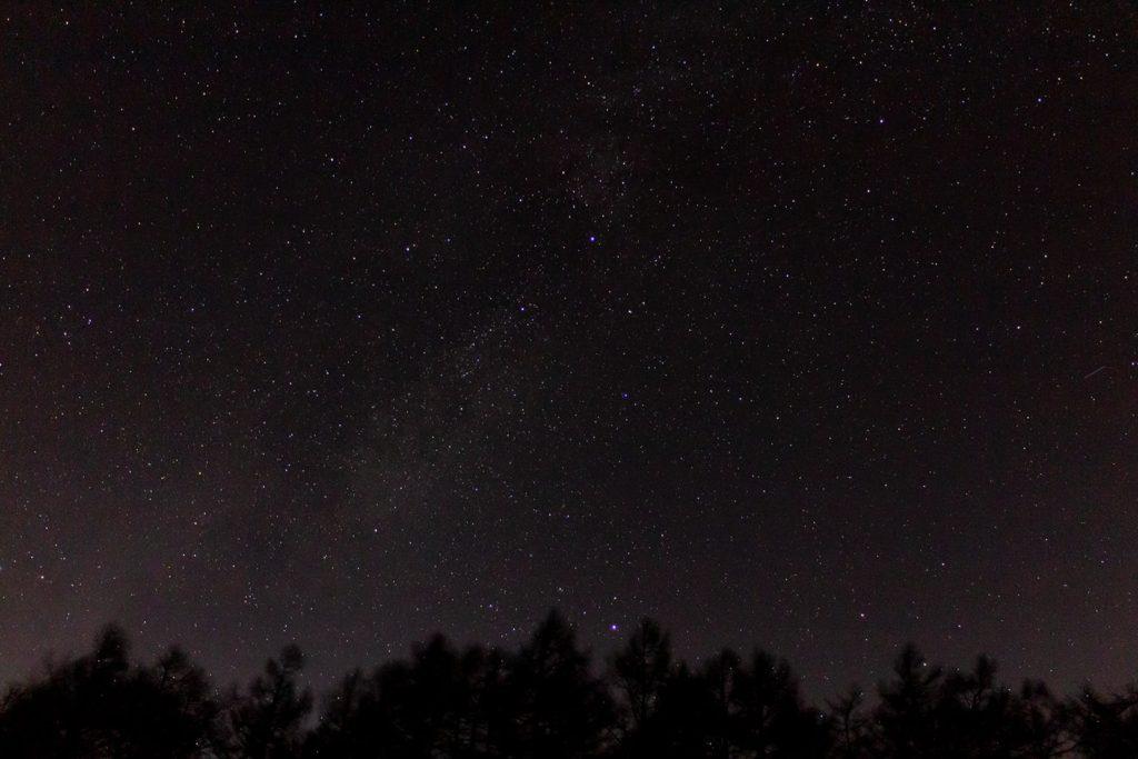 蓼科第二牧場に隣接する朝日の丘公園からはここまではっきりとした星空が拡がります。