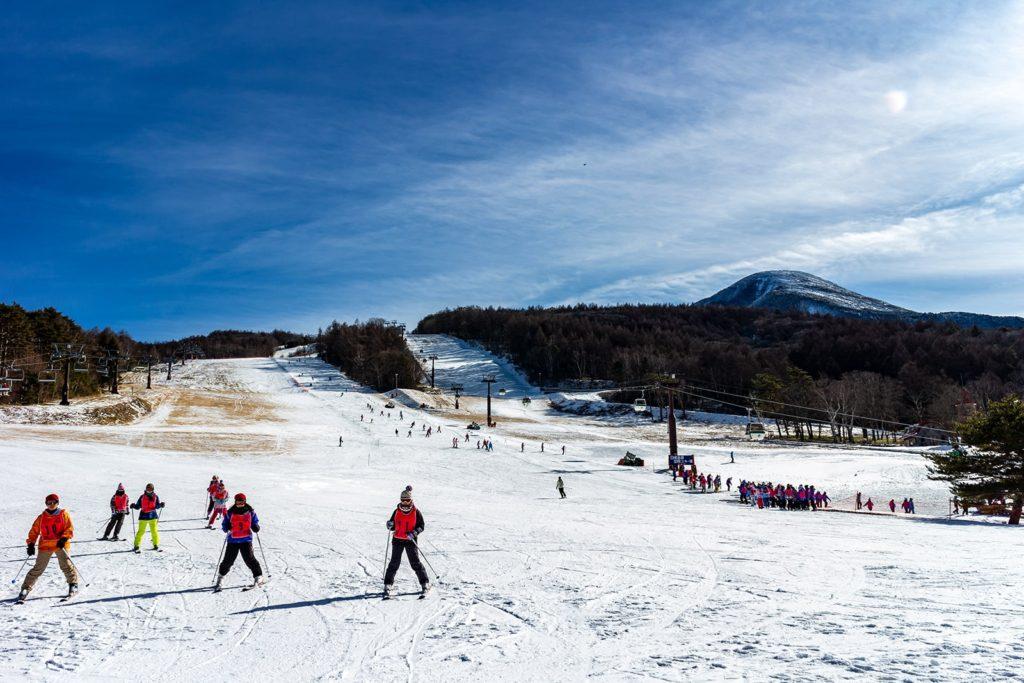 オープンまもない頃の白樺高原国際スキー場