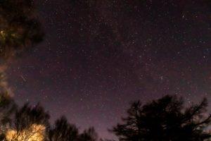 2020年11月19日、蓼科第二牧場からの星空。カシオペヤ座やアンドロメダ銀河