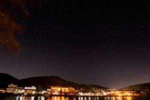 2020年11月20日、白樺湖畔からの星空