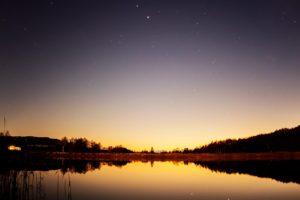 2020年11月29日、女神湖畔からの星空。