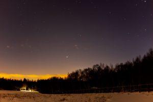 2020年12月22日、蓼科第二牧場からの星空。超接近翌日の木星と土星。